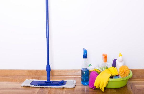 czyszczenie ścian przed malowaniem