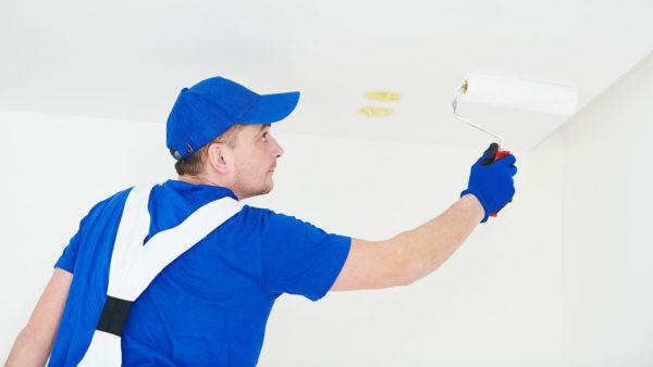 Jak malować sufit